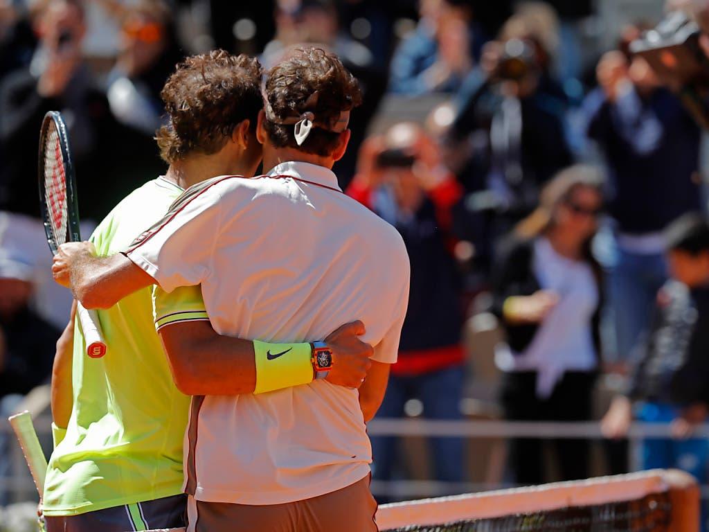 Die erste Niederlage nach zuletzt fünf Siegen nahm Federer sportlich hin (Bild: KEYSTONE/AP/MICHEL EULER)