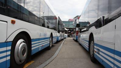 Mit der Fahrplananpassung sollen die Busse künftig pünktlich am Bahnhof ankommen. (Bild: PD)