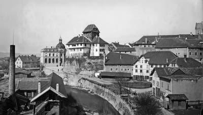 Im Jahr 1904: Blick auf Bleiche, Hauptpost, Schloss und altes Rathaus (also noch ohne Rathausturm). (Bild: Stadtarchiv Frauenfeld/Fotoarchiv Bär)