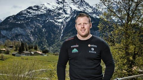 Matthias Glarner im Hotel Reuti in Hasliberg, wo er bei den Bergbahnen arbeitet. (Bild: Boris Bürgisser (Hasliberg, 17. Mai 2019))