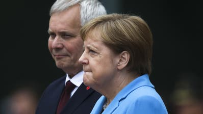 Erlitt erneut einen Zitteranfall: Bundeskanzlerin Angela Merkel (Bild: Keystone)
