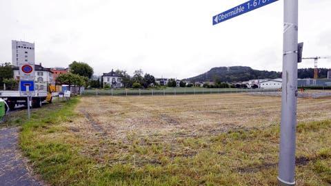 Auf diesem Grundstück hätte die Asylunterkunft entstehen sollen. (Bild: Werner Schelbert, Baar, 3. Juni 2016)