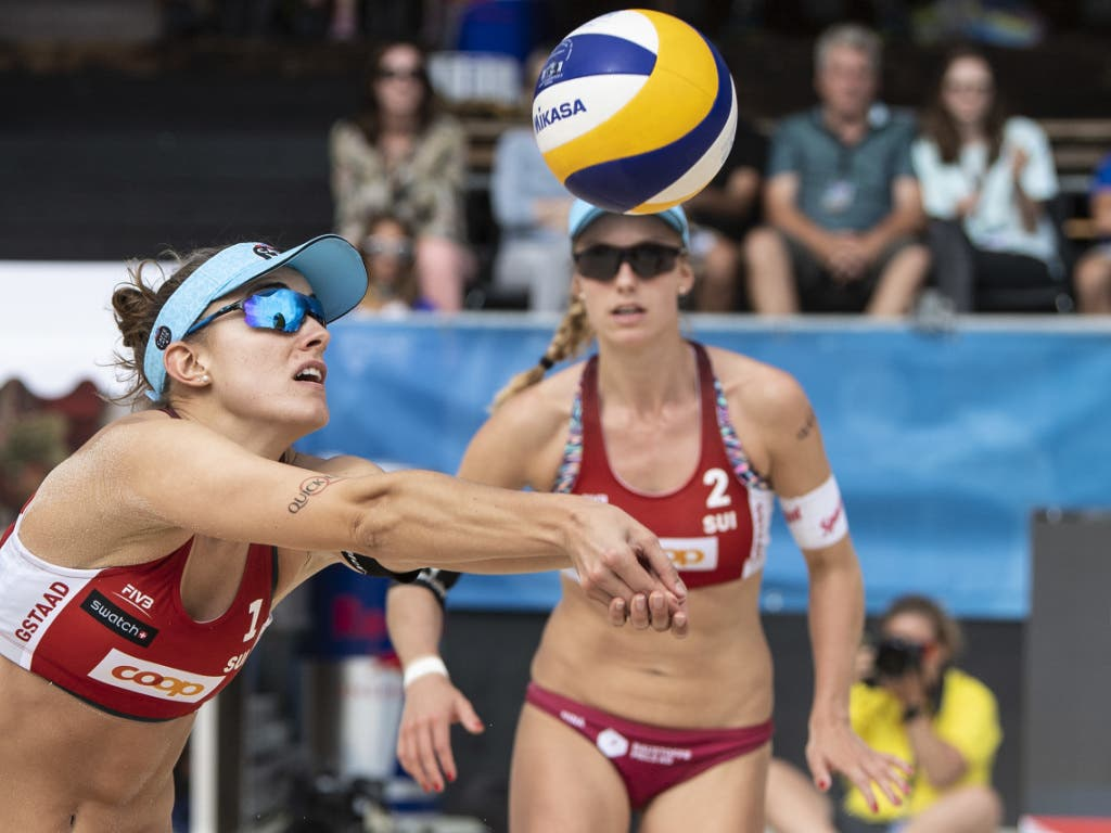 Nina Betschart (hinten) und Tanja Hüberli sind derzeit fast nicht zu stoppen (Bild: KEYSTONE/PETER SCHNEIDER)