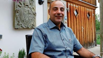 Als Thaler ohne Partei, dafür mit Migrationshintergrund stellt sich Rossano Sarcinella zur Wahl als Gemeindepräsident. (Bild: Jolanda Riedener)