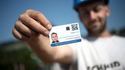 400 Mitarbeiter der Ebikoner Baufirma Schmid besitzen seit Anfang Juli eine ISAB-Karte. (Bild: Pius Amrein, Kriens, 10. Juli 2019)