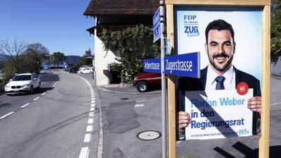 Der Zuger  Florian Weber von der FDP hat Wahlplakate im Kanton Schwyz nahe der Zuger Grenze aufgetellt.Im Bild Plakat nahe bei Rufibach Walchwil.25. September 2018Werner Schelbert (Zuger Zeitung)