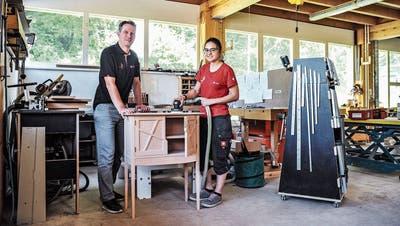 Feinschliff für die Möbelschreinerin: Dettighoferin trainiert in Braunau für die Berufsweltmeisterschaft