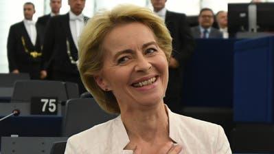 Ursula von der Leyern freut sich über ihre Wahl zur EU-Kommissionspräsidentin. (Bild: EPA)