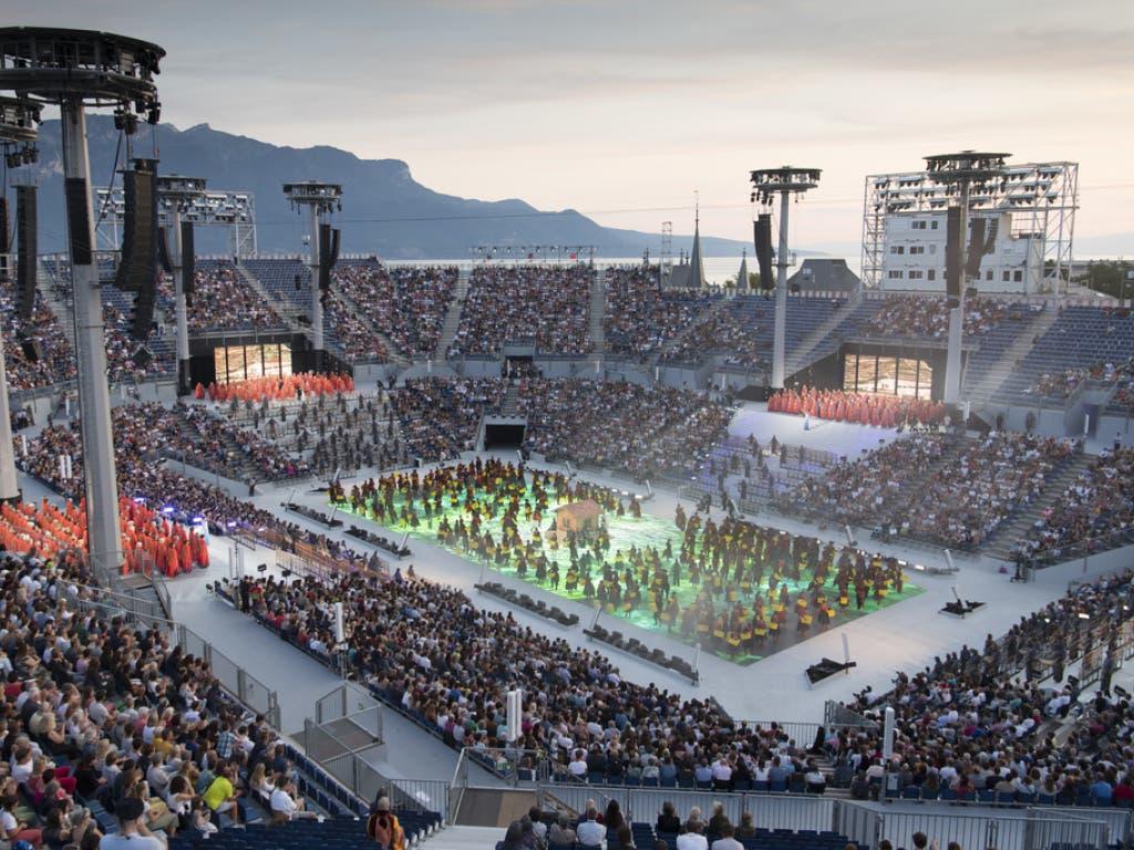 Die gigantische Arena am Genfersee bietet Platz für 20'000 Zuschauer. (Bild: Keystone/LAURENT GILLIERON)