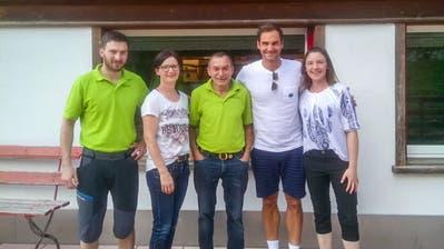 Roger Federer machte einen entspannten Eindruck bei seinem Besuch im Alpstein. (Bild:instagram)
