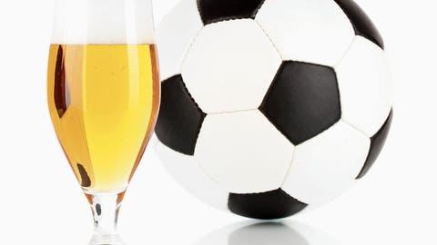 Na dann, Prost! Trotz schweizweiter Erhöhung der Marktpreise hält der FC Wil an seinem Bierpreis fest