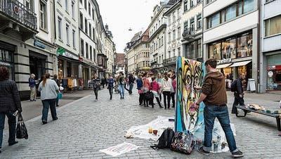 Graffiti in der Marktgasse: Die Besucher des Jungkult-Festivals können jungen Künstlern über die Schulter schauen. (Bild: PD)