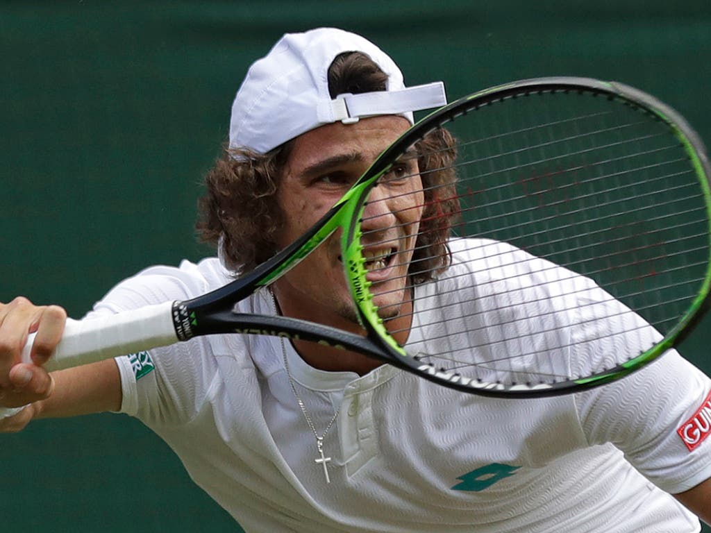 Lloyd Harris brachte Federer anfänglich in Bedrängnis, verlor letztlich aber klar (Bild: KEYSTONE/AP/BEN CURTIS)