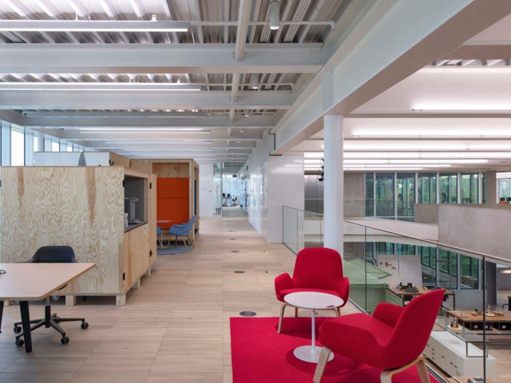 Im neuen Innovationscampus der Bühler Group in Uzwil können die Arbeitsplätze flexibel genutzt werden. (Bild: Bühler Group)