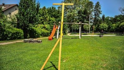 Die Bauvisiere stehen. Im September bauen Eltern mit ihren Kindern den Spielplatz vor dem evangelischen Kirchgemeindehaus in Münchwilen. (Bild: Olaf Kühne)