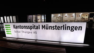 Der Eingang des Kantonsspitals Münsterlingen. (Bild: Nana do Carmo)