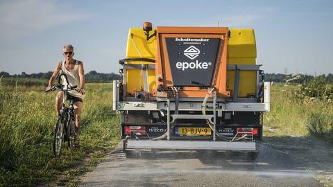 Niederländische Gemeinden streuen Salz gegen Hitze