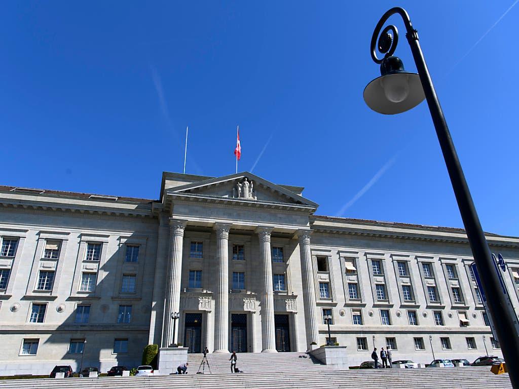 Das Bundesgericht hat entschieden, dass die Lieferung von UBS-Kundendaten an Frankreich zulässig ist. (Bild: KEYSTONE/LAURENT GILLIERON)