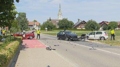 Die Kantonspolizei Thurgau musste an einen schweren Verkehrsunfall in Sommeri ausrücken. (Bild: Beat Kälin/BRK News).