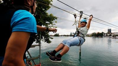 Zug Sports Festival: Entlang der Zuger Seepromenade fand während zwei Tagen das grösste Zuger Sportfestival statt. (Bild: Stefan Kaiser, Zug, 27. Juli 2019)