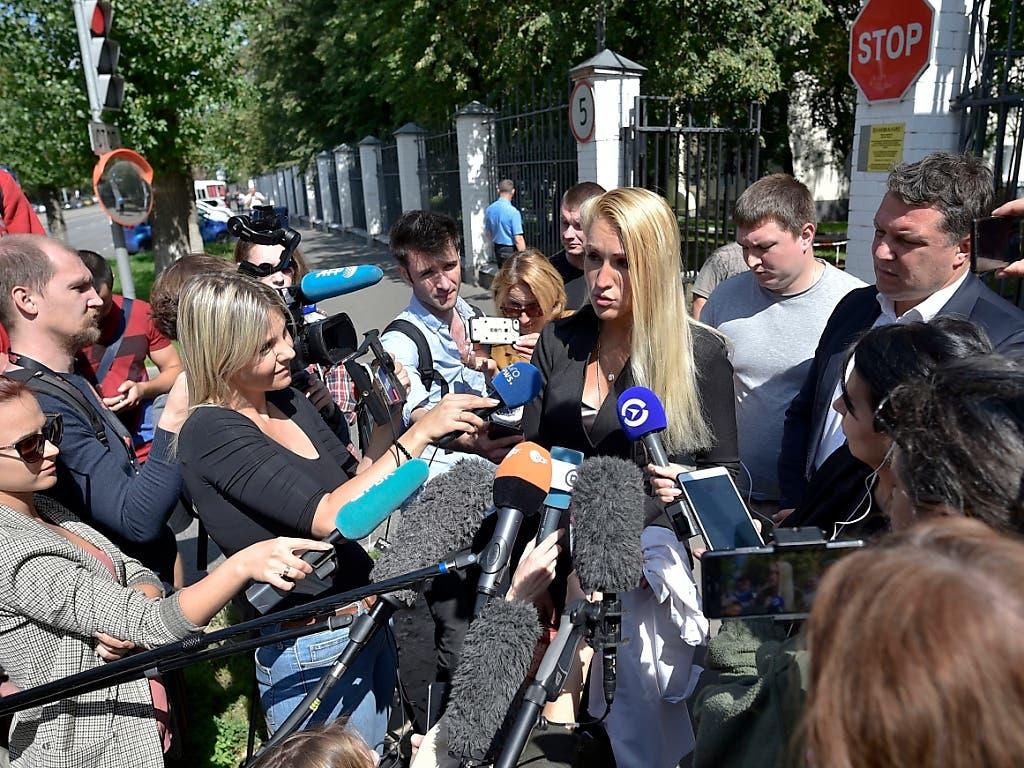 Die Hausärztin von Kreml-Kritiker Alexej Nawalny, Anastasia Wassiliewa, macht den Spitalärzten schwere Vorwürfe. (Bild: KEYSTONE/AP)