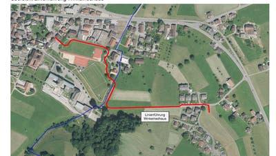 Das geplante Teilstück (rot) von der Stanser Schmiedgasse nach St. Heinrich, Oberdorf. Blau markiert ist die Grenze zwischen Stans und Oberdorf. (Grafik: PD)