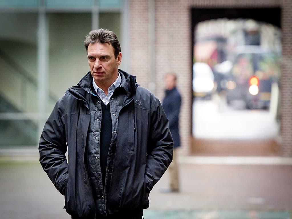 Willem Holleeder (Aufnahme von 2014) wurde am Donnerstag in Amsterdam wegen fünf Auftragsmorden zu einer lebenslänglichen Gefängnisstrafe verurteilt. (Bild: KEYSTONE/EPA ANP/ROBIN VAN LONKHUIJSEN)