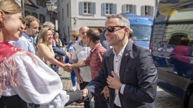 Bundesrat Ignazio Cassis bei der Ankunft vor dem Regierungsgebäudein Altdorf anlässlich der Bundesratsreise. (Bild:KEYSTONE/Urs Flüeler, 4. Juli 2019)