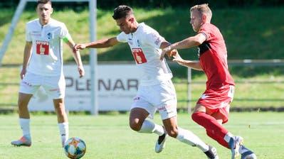 FCL-Mittelfeldspieler David Mistrafovic(Mitte) gegen den Altacher Marco Meilinger(rechts) in Zug. (Bild: Martin Meienberger/Freshfocus, Zug, 29. Juni 2019)