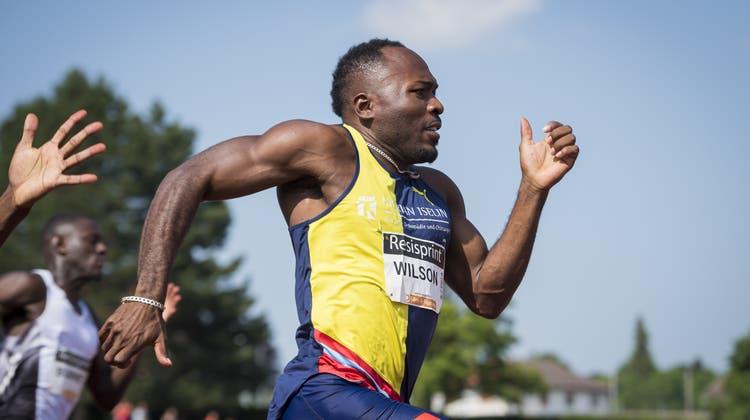 In La Chaux-de-Fonds stellte Alex Wilson Schweizer Rekorde über 100 m und 200 m auf. Bild: Jean-Christophe Bott/Keystone (30. Juni 2019)