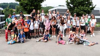 38 Aadorfer Kinder nahmen Abschied von den Angehörigen, um an der Sprachgrenze neue Erlebnisse zu sammeln. (Bild: Kurt Lichtensteiger)