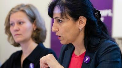 Gewerkschaften tragen Frauenstreik-Forderungen in Lohnherbst