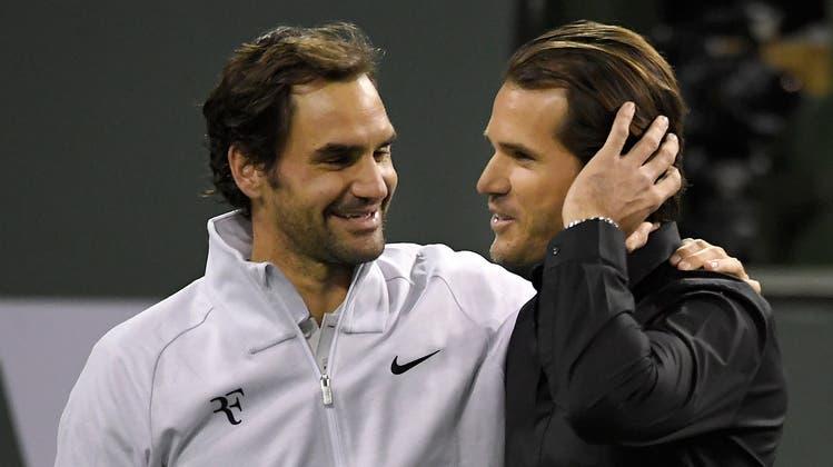 Aus Konkurrenten sind längst Freunde geworden: Roger Federer und Tommy Haas, der inzwischen Turnierdirektor in Indian Wells ist. (Bild: Keystone)