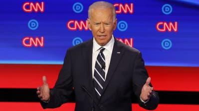 Der frühere Vizepräsident und aktuelle Präsidentschaftskandidat Joe Biden spricht während der zweiten Fernsehdebatte.(Bild: AP Photo/Paul Sancya, Detroit, 31. Juli 2019)