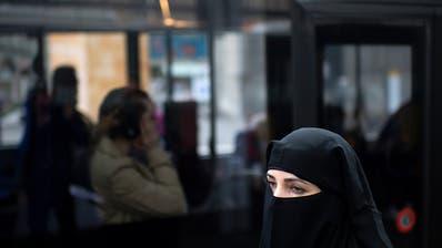 Nach langem Streit: In den Niederlanden tritt Burkaverbot in Kraft