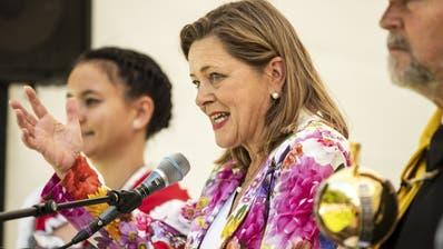 Heidi Z'graggen, Regierungsrätin Kanton Uri, spricht waehrend der Bundesfeier auf dem Rütli. (KEYSTONE/Alexandra Wey, Rütli, 1. August 2019)