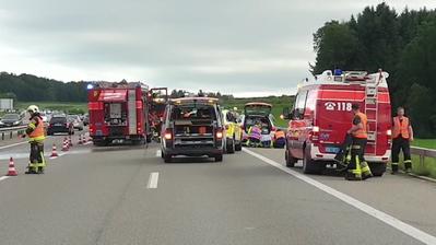 Beim Unfall kamen zwei Menschen ums Leben. (Bild: Kantonspolizei St.Gallen)