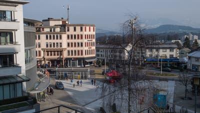 Die Aufenthaltsqualität am Sonnenplatz in Emmenbrücke soll verbessert werden – das wünscht sich die Bevölkerung gemäss Online-Umfrage. (Bild:Boris Bürgisser, 23. Januar 2019)