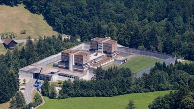 Blick auf die Strafanstalt Bostadel. (Symbolbild: Stefan Kaiser, Menzingen)
