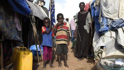 Der Bundesrat setzt künftig weniger auf Armutsreduktion. (Bild:APA/HELMUT FOHRINGER)