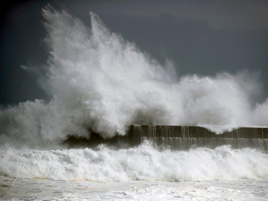 Wirbelsturm «Krosa» sorgte im Westen Japans für Überschwemmungen. Mehrere Menschen wurden verletzt. (Bild: KEYSTONE/AP Kyodo News/SUO TAKEKUMA)