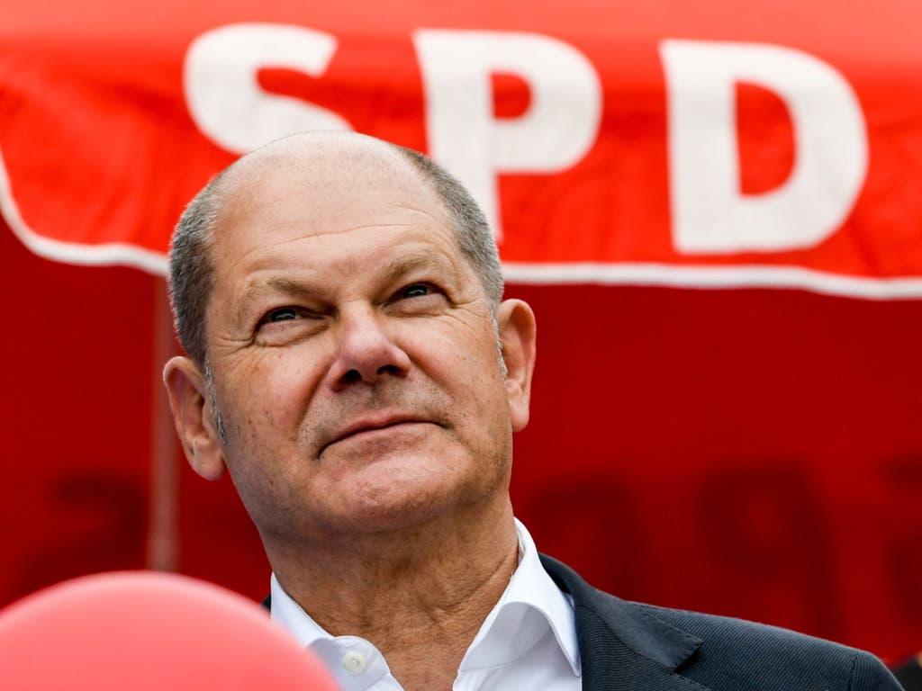 Der deutsche Finanzminister Olaf Scholz ist laut einem Medienbericht bereit, für den Vorsitz der SPD zu kandidieren. (Bild: KEYSTONE/EPA/FILIP SINGER)
