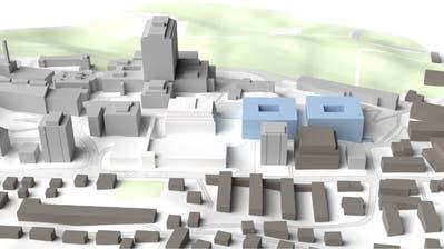 In der ersten Phase soll der Neubau der Kinderklinik und der Frauenklinik (blau) im östlichen Bereich des Spital-Areals in Luzern entstehen. In den Untergeschossen gibt es Parkplätze. (Bild: PD)