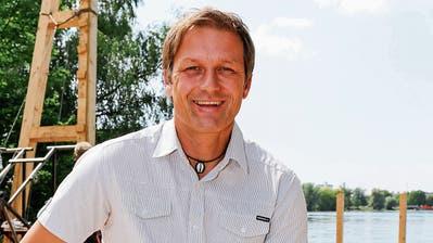Roland Brändli auf der Seebühne Steinach, die eigens für das Jubiläums-Festspiel gebaut wurde. (Bild: Rudolf Hirtl)