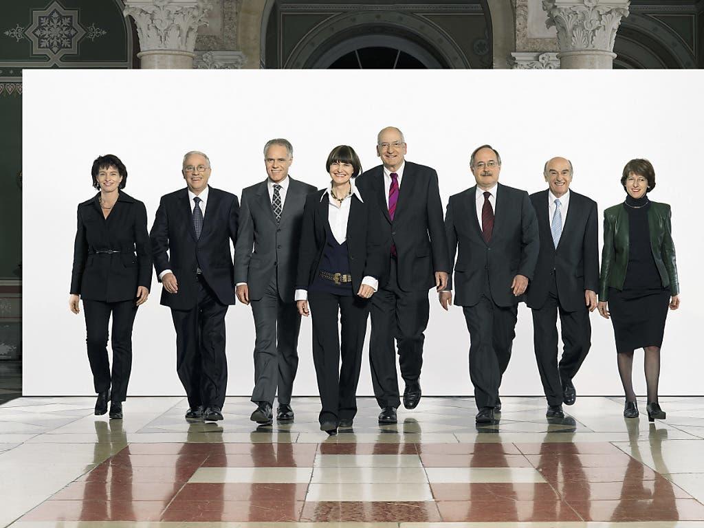 Als Bundeskanzlerin prägte Huber-Hotz (ganz rechts) die Geschäfte des Bundesrats während Jahren mit. (Bild: KEYSTONE/BUNDESKANZLEI/JULIE DE TRIBOLET)