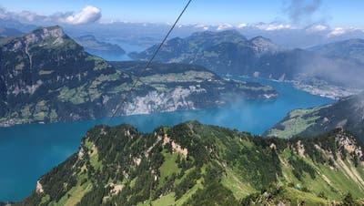 Der Rophaien bietet einen atemberaubenden Rundblick. Die Sicht reicht bis nach Luzern. (Bild: Philipp Zurfluh, 30. Juli 2019)
