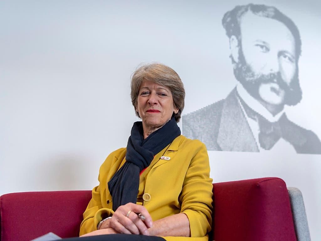 Erst gerade gab sie das Präsidium des Schweizerischen Roten Kreuzes ab, nun ist alt Bundeskanzlerin Annemarie Huber-Hotz an einem Herzversagen gestorben. (Bild: KEYSTONE/MARTIAL TREZZINI)