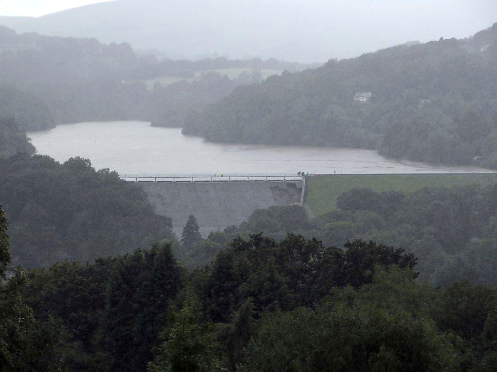 Aufgestaute Wassermassen: Blick auf das Reservoir. (Bild: KEYSTONE/AP PA/DANNY LAWSON)