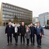 So setzt sich der Krienser Stadtrat heute zusammen (von links): Franco Faé (CVP), Cyrill Wiget (Grüne), Lothar Sidler (CVP), Judith Luthiger (SP) und Matthias Senn (FDP). Rechts ist Stadtschreiber Guido Solari zu sehen. (Bild:Philipp Schmidli, Kriens, 21. Dezember 2018)