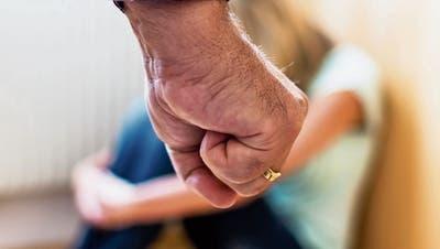 Immer mehr häusliche Gewalt: DieStadtnimmt in der Bekämpfung keine führende Rolle ein